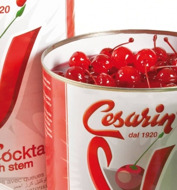 Cocktail cherry for drinks and dessert Cesarin
